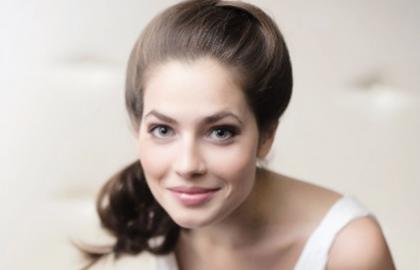 Обнаженная знаменитость Юлия Снигирь на бесплатных фотках и видеороликах
