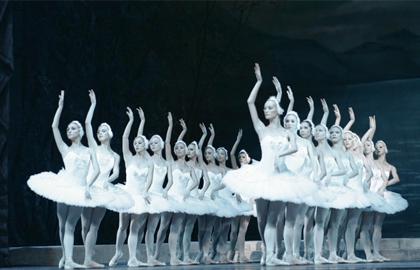 Балет лебединое озеро купить билеты в кремлевский дворец театр сатиры официальный сайт билеты для пенсионеров